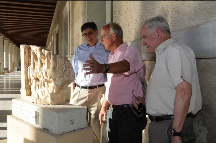 Ο αμερικανός πρέσβης ξενάγησε τον Λιου στην Αρχαία Αγορα - εικόνα 3