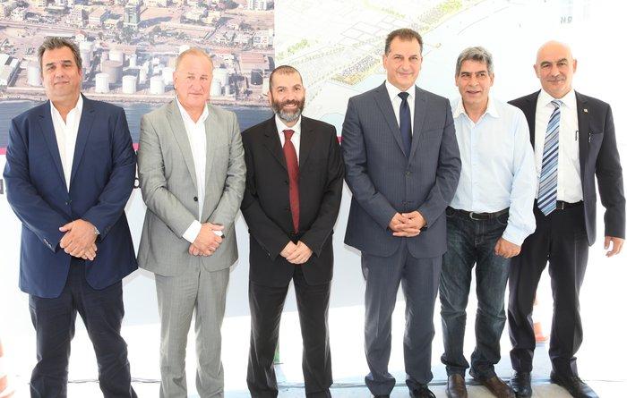 Οι κ.κ. Μαδεμλής, Στεργιούλης, Καραχάννας, Λακκοτρύπης, Karahannas, δίπλα του ο Δημαρχεύων του Δήμου Λάρνακας κ. Πέτρος Χριστοδούλου και δεξιά ο κ. Γρηγοράς.