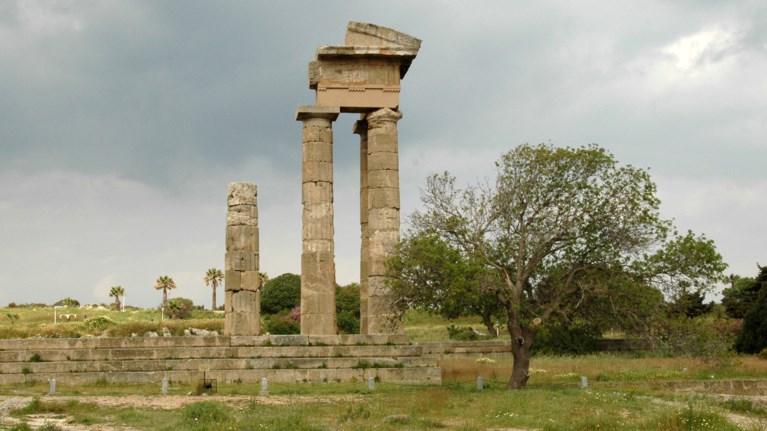 i-akropoli-tis-rodou-prostateuetai-anabathmizetai-kai-aksiopoieitai