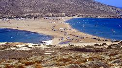 Το νησί που το καλοκαίρι γίνεται χερσόνησος