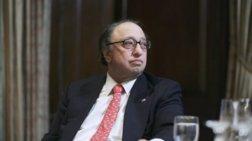 Ελληνοαμερικανός δισεκατομμυριούχος «επικήρυξε» τους κλέφτες παγώτών