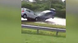 Τρομακτική μετωπική σύγκρουση σε αυτοκινητόδρομο