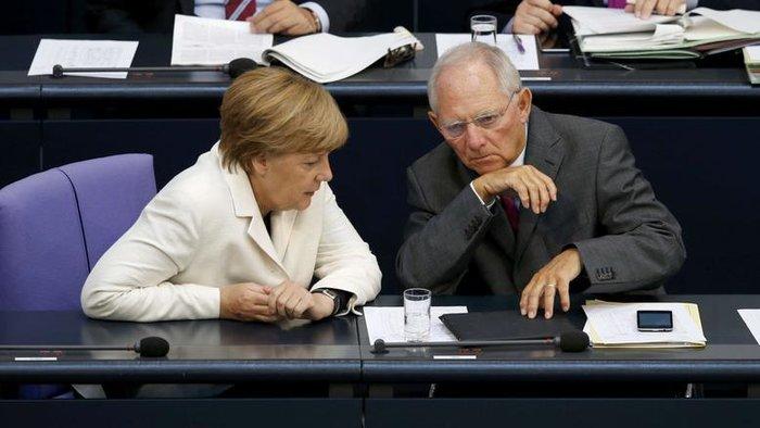 H γερμανίδα καγκελάριος Άνγκελα Μέρκελ με τον Βολφγκάνγκ Σόιμπλε