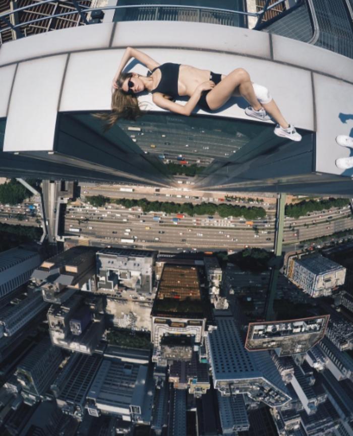 Η γυναίκα που βγάζει τις πιό επικίνδυνες selfies στον κόσμο - εικόνα 2