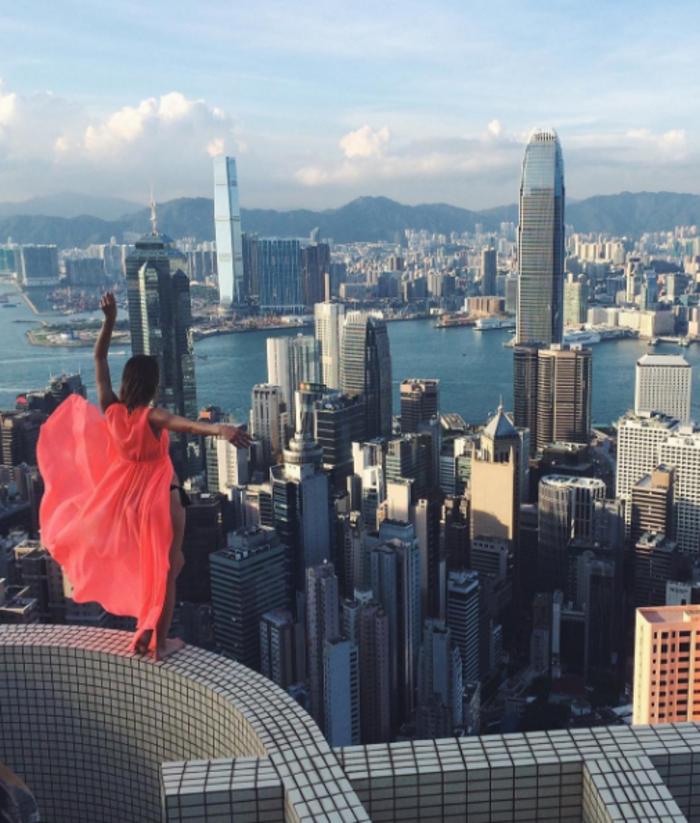 Η γυναίκα που βγάζει τις πιό επικίνδυνες selfies στον κόσμο - εικόνα 3