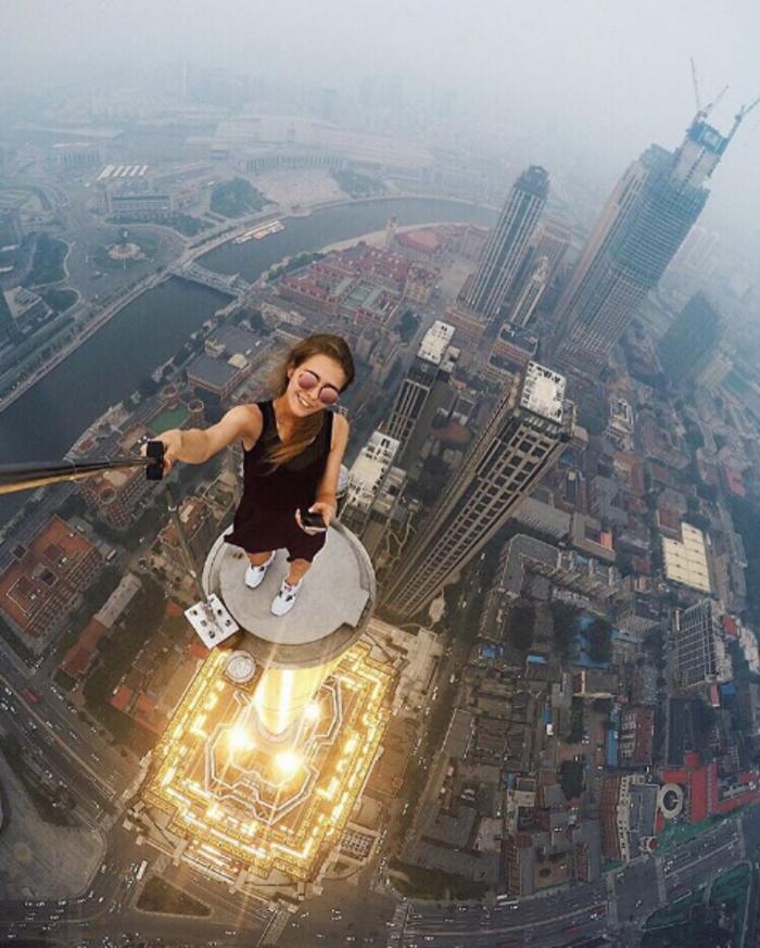 Η γυναίκα που βγάζει τις πιό επικίνδυνες selfies στον κόσμο - εικόνα 4