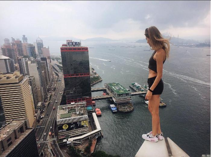 Η γυναίκα που βγάζει τις πιό επικίνδυνες selfies στον κόσμο - εικόνα 5