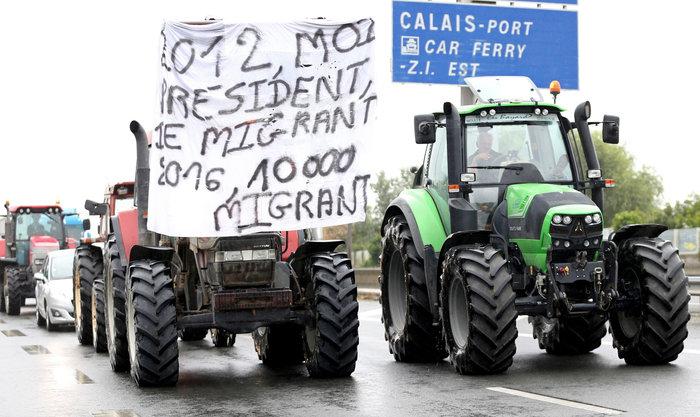 Γάλλοι αγρότες με τρακτέρ ζητούν να κλείσει το Καλαί-Δείτε φωτογραφίες - εικόνα 4