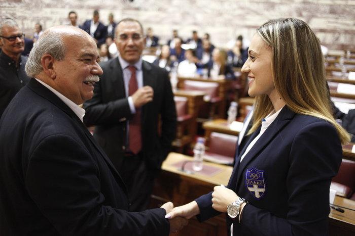 Οι Ολυμπιονίκες στα έδρανα της Βουλής- ΕΙΚΟΝΕΣ
