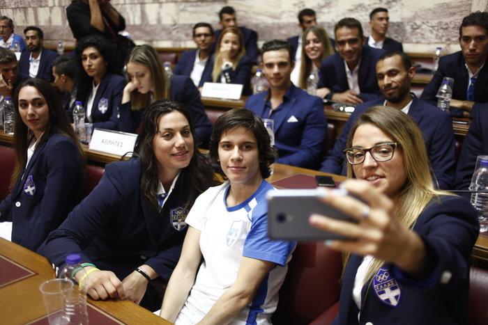 Οι Ολυμπιονίκες στα έδρανα της Βουλής- ΕΙΚΟΝΕΣ - εικόνα 6
