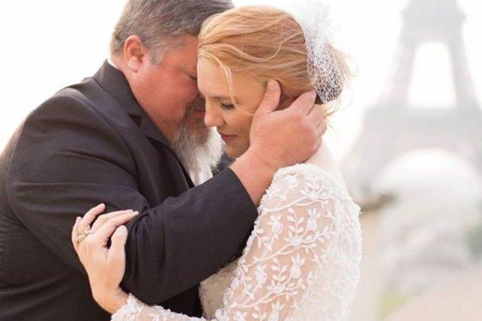 Ο Tim και η  Jeni στην επέτειιο του γάμου τους στο Παρίσι