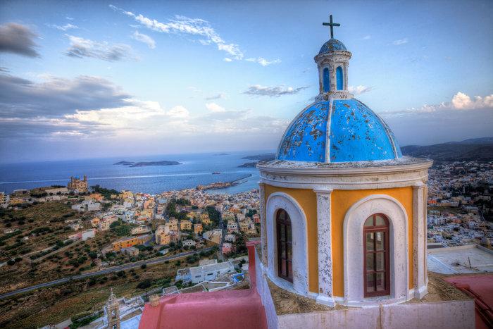 Ύμνοι της Vogue: Μην προσπερνάτε αυτά τα 3 ελληνικά νησιά! Ποιά είναι; - εικόνα 2