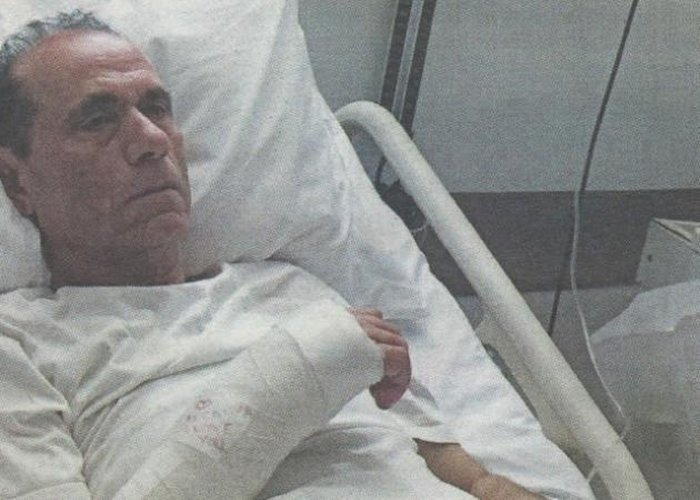 Θύμα άγριου ξυλοδαρμού ο τραγουδιστής Κώστας Καρουσάκης