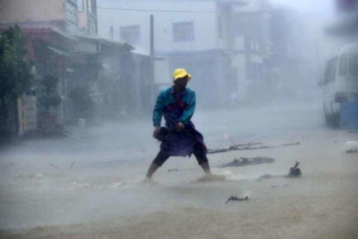 Ο σούπερ τυφώνας Meranti σφυροκοπά την Ταϊβάν - εικόνα 2