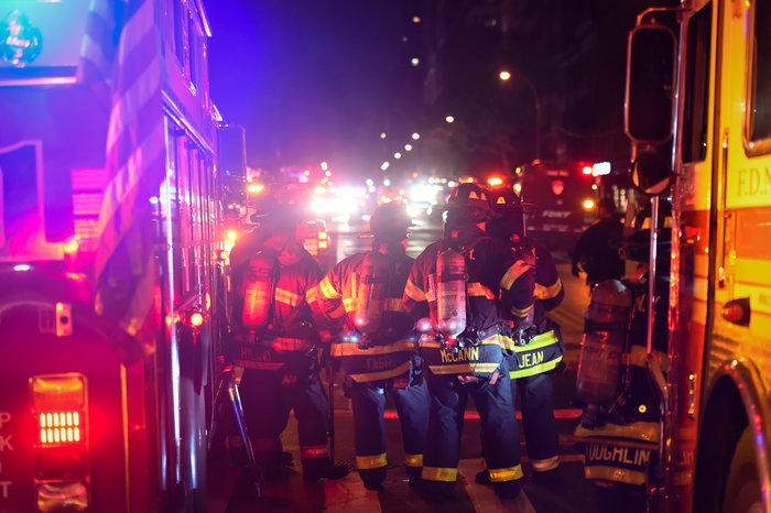 Καρέ καρέ η νύχτα τρόμου στην Νέα Υόρκη [Εικόνες] - εικόνα 12