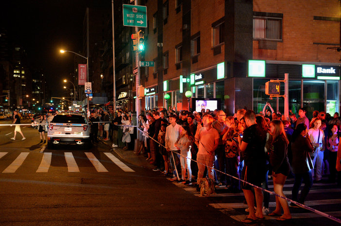 Καρέ καρέ η νύχτα τρόμου στην Νέα Υόρκη [Εικόνες] - εικόνα 14