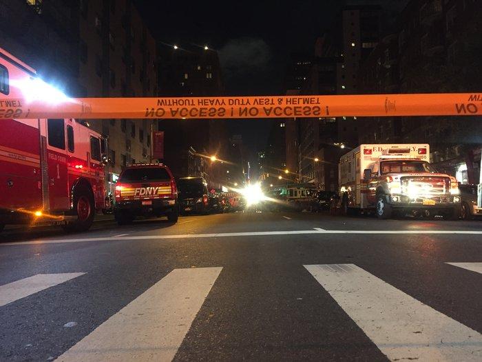 Καρέ καρέ η νύχτα τρόμου στην Νέα Υόρκη [Εικόνες] - εικόνα 6