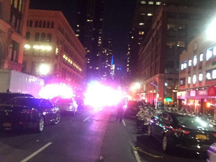 Καρέ καρέ η νύχτα τρόμου στην Νέα Υόρκη [Εικόνες] - εικόνα 7