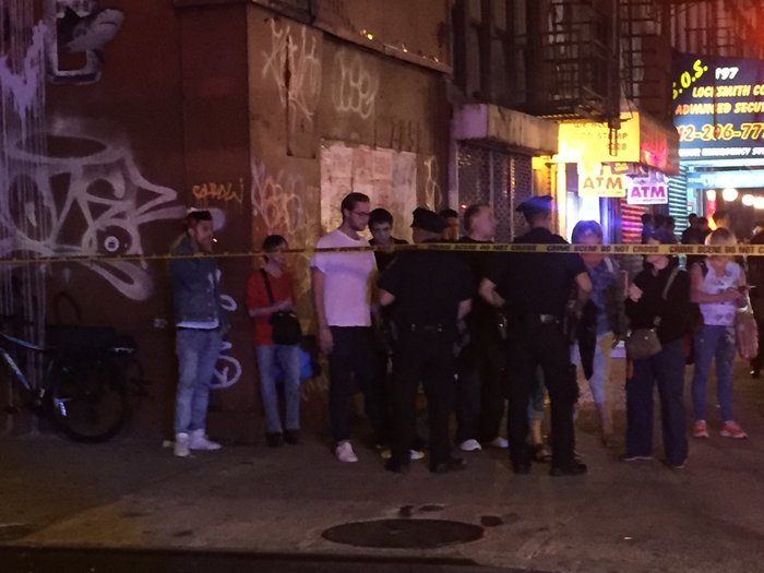Καρέ καρέ η νύχτα τρόμου στην Νέα Υόρκη [Εικόνες] - εικόνα 13