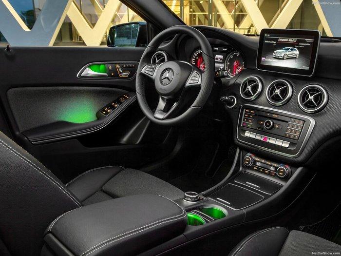 Mercedes-Benz A Class FL 180D: Just Gliding - εικόνα 4
