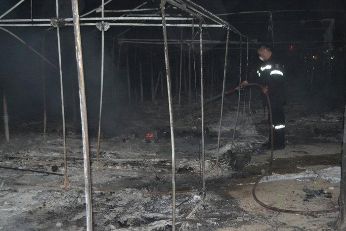 Λέσβος: Χάος στο hotspot της Μόριας μετά την εξέγερση μεταναστών - εικόνα 5