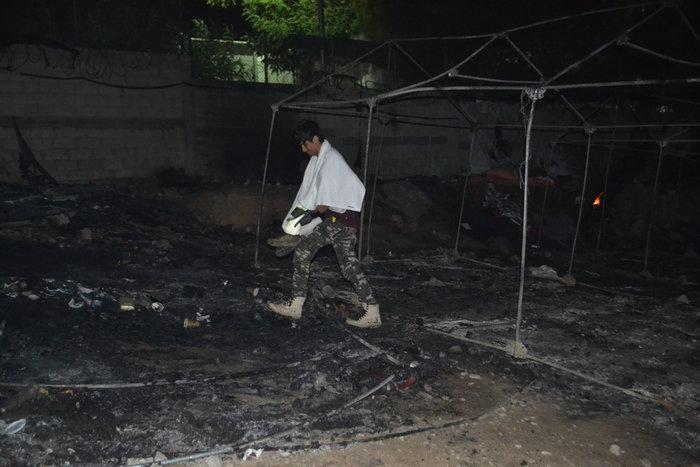 Λέσβος: Χάος στο hotspot της Μόριας μετά την εξέγερση μεταναστών - εικόνα 3