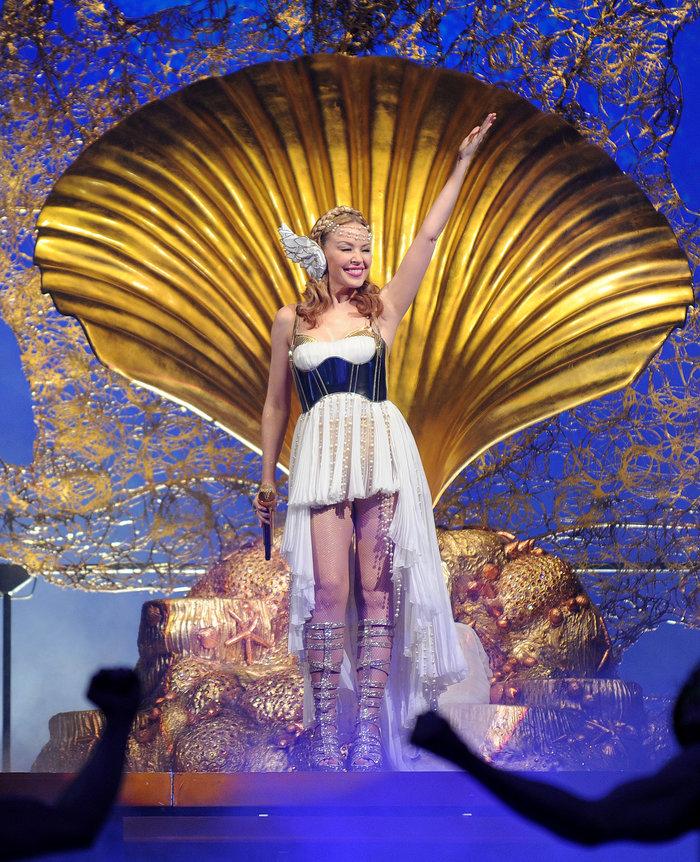 Aphrodite Les Folies Tour 2011