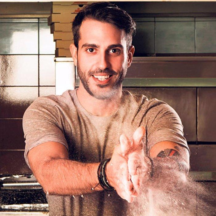 Ο Ακης Πετρετζίκης ο νέος μάγειρας της Ελένης Μενεγάκη;