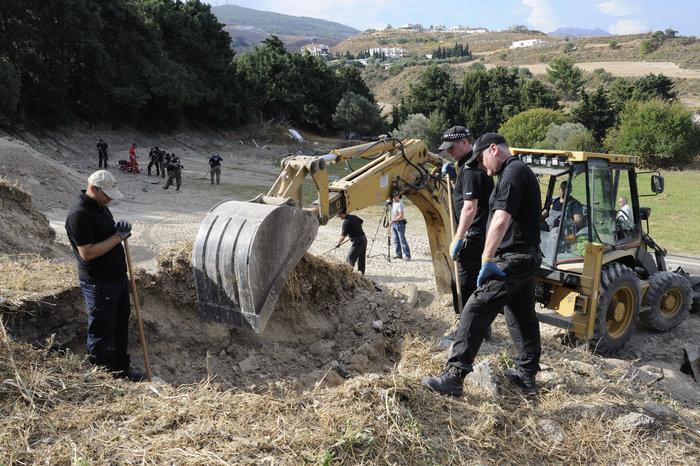 [ΕΙΚΟΝΕΣ] Ξεκινούν οι ανασκαφές σε χωράφι για τον μικρό Μπεν - εικόνα 2
