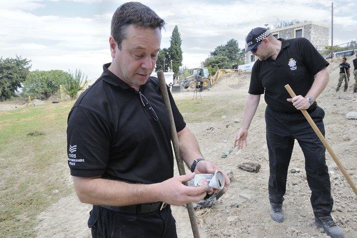 [ΕΙΚΟΝΕΣ] Ξεκινούν οι ανασκαφές σε χωράφι για τον μικρό Μπεν