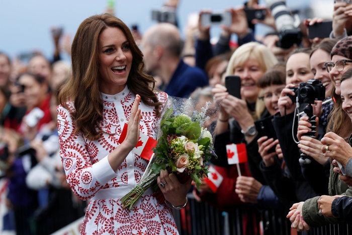 Η Κέιτ ντύθηκε «καναδική σημαία» και πάλι ήταν κούκλα [Εικόνες] - εικόνα 3