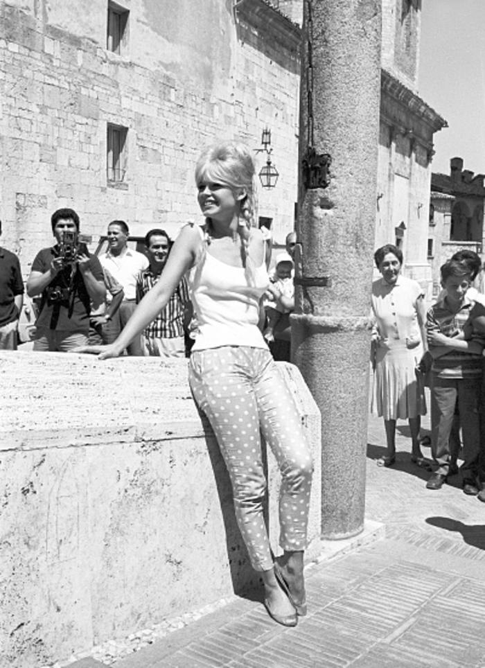 Γεννιέται η Μπριζίτ Μπαρντό, το ερωτικό σύμβολο μιας χώρας - εικόνα 5