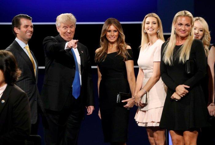 Οικογένεια Τραμπ vs οικογένειας Κλίντον: Ποια κέρδισε τη μάχη της εξέδρας; - εικόνα 14