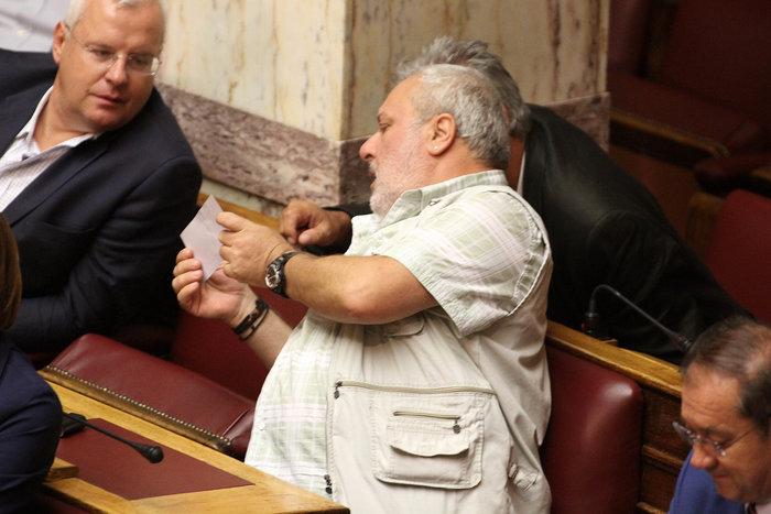 Σφυροκόπημα στη Βουλή για ΔΕΚΟ,κανάλια & Καλογρίτσα - εικόνα 5