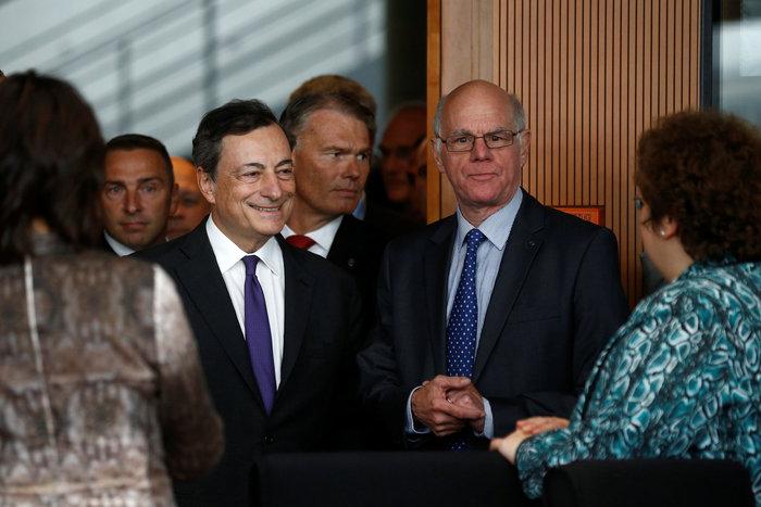 Ντράγκι στη Βundestag: Η πολιτική της ΕΚΤ κάνει καλό στη Γερμανία