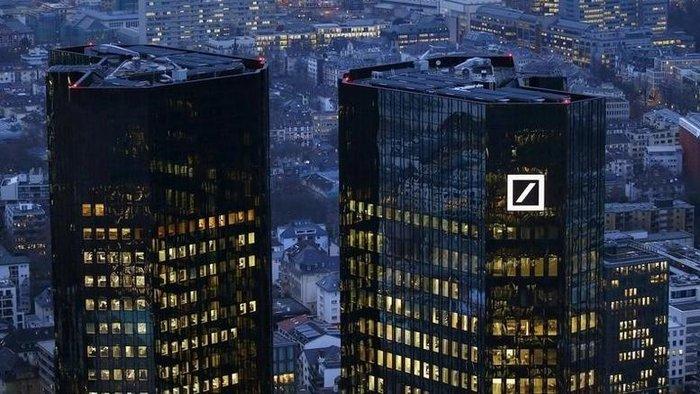 Η μετοχή της Deutsche Bank έχει χάσει πάνω από το μισό της αξίας της από την αρχή του χρόνου
