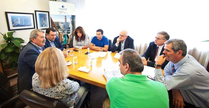 Στιγμιότυπο από την συνάντηση στα ΕΛΠΕ
