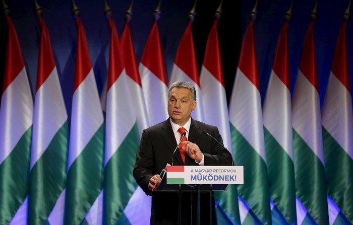 Ο πρωθυπουργός Όρμπαν απηύθυνε έκκληση στους πολίτες της χώρας να κινητοποιηθούν και να σπεύσουν στις κάλπες την παραμονή του δημοψηφίσματος.