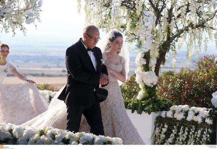 Νέες φωγραφίες από τον γάμο του γιου του Σαββίδη - Τις ανέβασε η νύφη