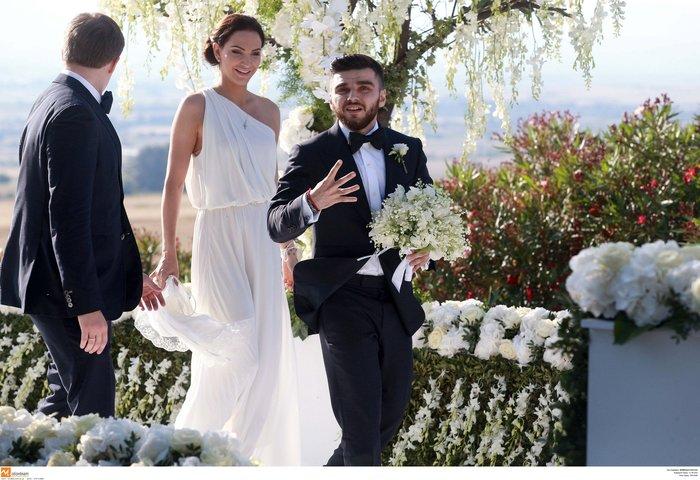 Νέες φωγραφίες από τον γάμο του γιου του Σαββίδη - Τις ανέβασε η νύφη - εικόνα 2