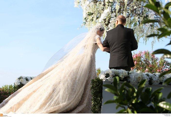 Νέες φωγραφίες από τον γάμο του γιου του Σαββίδη - Τις ανέβασε η νύφη - εικόνα 3