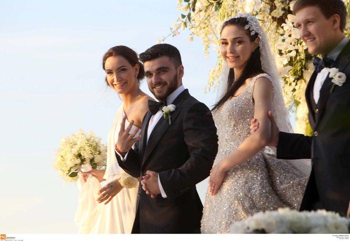 Νέες φωγραφίες από τον γάμο του γιου του Σαββίδη - Τις ανέβασε η νύφη - εικόνα 5