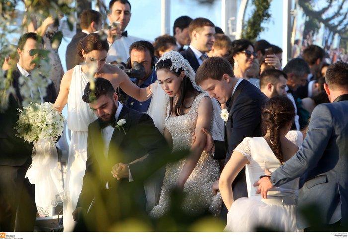 Νέες φωγραφίες από τον γάμο του γιου του Σαββίδη - Τις ανέβασε η νύφη - εικόνα 6