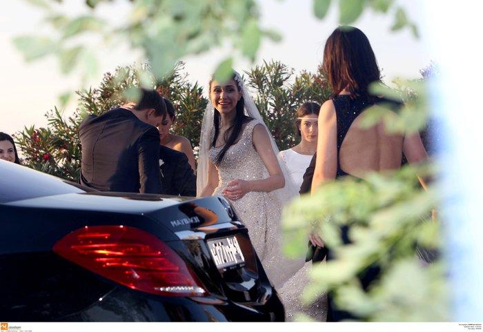 Νέες φωγραφίες από τον γάμο του γιου του Σαββίδη - Τις ανέβασε η νύφη - εικόνα 7