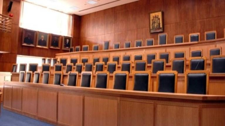 Αναδρομικές επιστροφές φόρου για όλους τους δικαστικούς