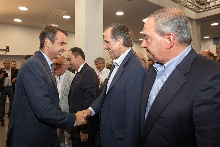 «Καρέ» του προέδρου στο Μοσχάτο για τα 42 χρόνια ΝΔ! Δείτε φωτό - εικόνα 3