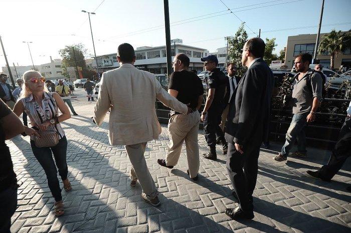 Συνέλαβαν πορνοστάρ «γιατρό» στην επέτειο των 42 ετών της ΝΔ - εικόνα 2