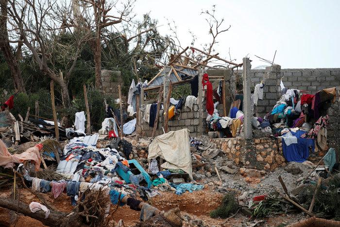 Εξασθενημένος συνεχίζει την προέλαση ο τυφώνας Μάθιου στις ανατολικές ΗΠΑ - εικόνα 6
