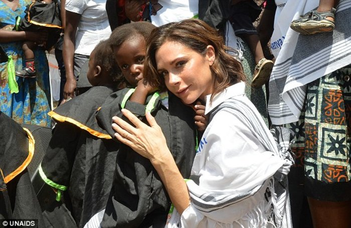 Στην Κένυα η Bικτόρια Μπέκαμ για καλό σκοπό [ΕΙΚΟΝΕΣ] - εικόνα 6