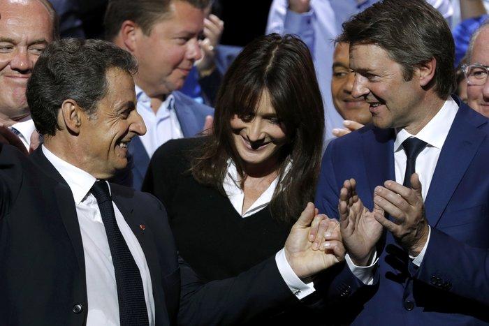 Σαρκοζί και Κάρλα Μπρούνι μαζί σε πολιτική συγκέντρωση